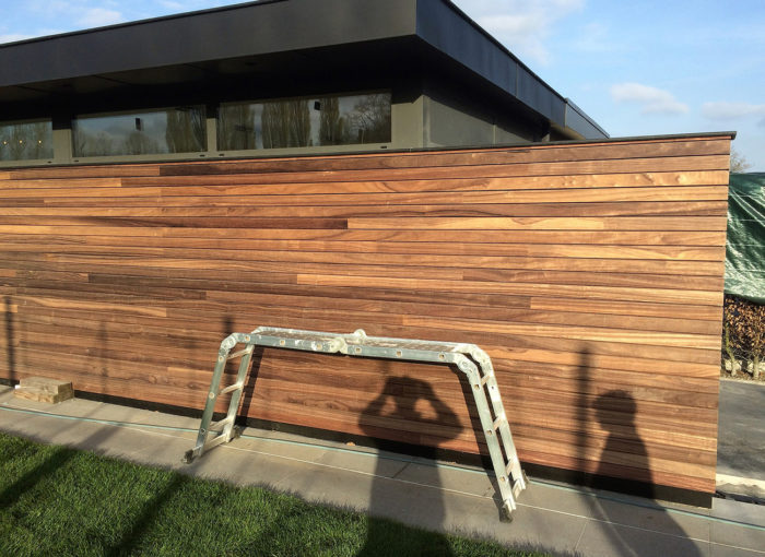 Houten-gevelbekleding-Poolhouse-Sint-Pauwels-(1)