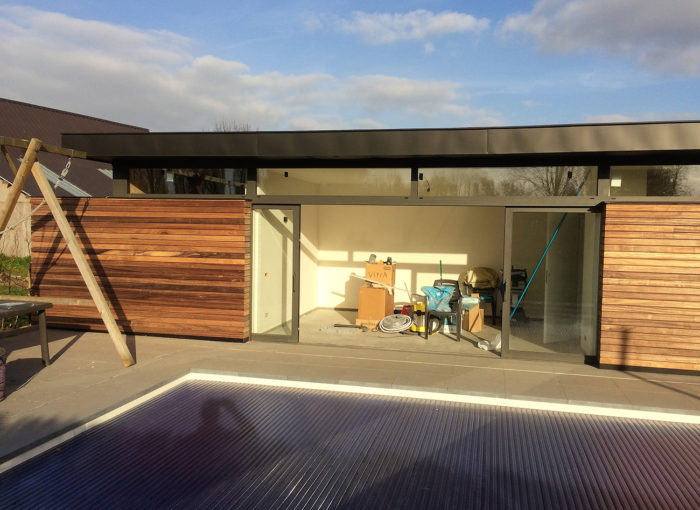 Houten-gevelbekleding-Poolhouse-Sint-Pauwels-(3)